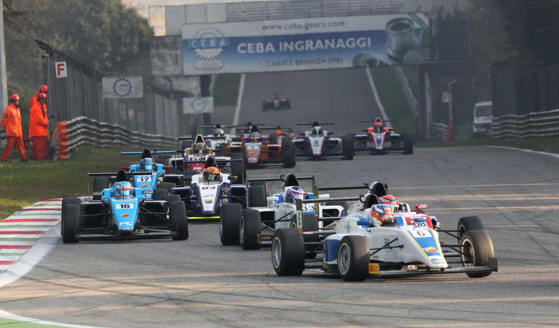2016 Monza - VSR Jaden (15) Leading Gaggle
